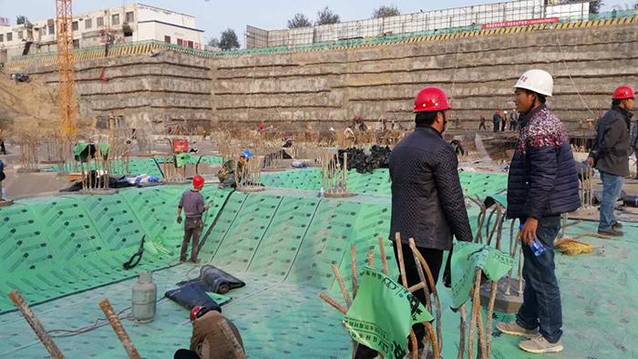 德泓物流广场CPY反应粘结型湿铺防水卷材
